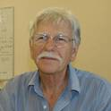 Portrait of Emeritus Professor Peter Saenger